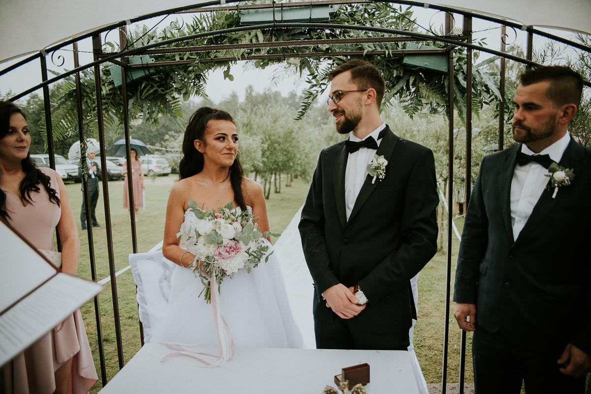 Karolina & Michał- ślub plenerowy